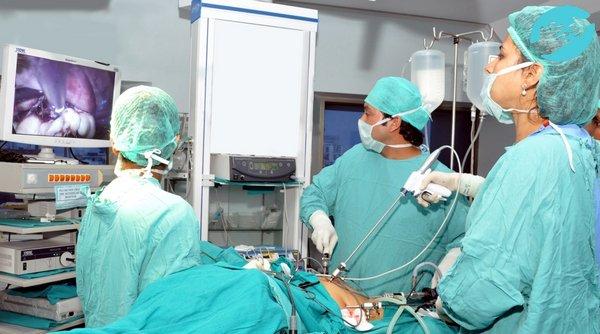 Забеременеть после удаления миомы матки можно не ранее, чем через шесть месяцев.